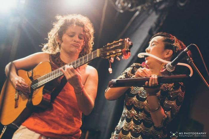 María y Emi